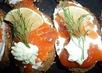Minichlebíčky s lososem