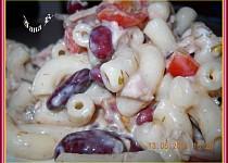 Těstovinový salát se zeleninou, fazolema a koprem