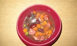 Fazolová polévka se zeleninou a klobáskou
