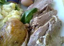 Libová pečínka z krůtích prsíček v bazalkovo - medové marinádě / s dietním bramborovým salátem/