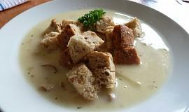 Kyselá houbová polévka