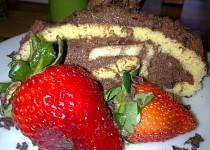 Piškotová roláda s mandlovo - čokoládovo -banánovou náplní