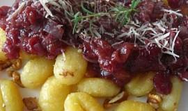 Gnocchi s brusinkovo rajčatovou omáčkou