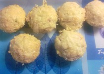 Muffiny s česnekem a šunkou