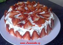 Narozeninový dort s krémem z bílé čokolády