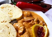 Krůtí maso na paprice s hříbky