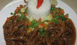 Hovězí nudličky s red curry pastou