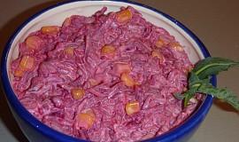 Salát z červené řepy s kukuřicí