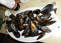 Mušle na víně a jiné speciality alá francouzský večer