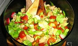 Lehký letní salát s kuřecím masem