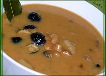 Smetanová houbovo-fazolová polévka
