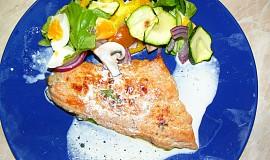 Losos s grilovanou zeleninou a smetanou