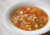 Zeleninová polévka s bazalkou