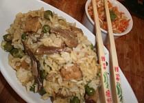 Houbové rizoto s hráškem  a tempehem