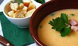 Uzená polévka s mladými fazolemi - flažolety