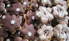 Čokoládové hvězdičky a linecké kytičky