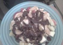 Obložená mísa s ovocem přelitá čokoládou
