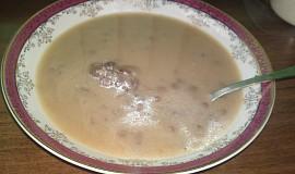 Kyselá čočková polévka