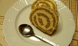 Ořechová roláda s karamelovým krémem