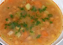 Cizrnová polévka se zeleninou