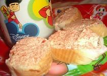 Jahodová pomazánka s máslem pro děti