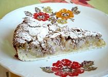 Jablkový koláč s ořechovou zálivkou
