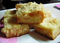Jablkový koláč se smetanou