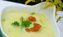 Polévka z lišek s fazolkami