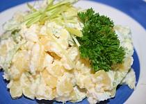 Bramborový salát s vejci a křenem