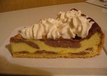 Strakatý tvarohový koláč
