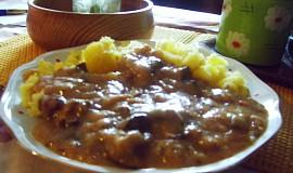 Houbové vepřové maso s paprikou
