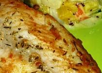 Pangasius s cuketovo-patizonovým teplým salátem