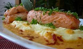 Ryba na bramborovém pyré s omáčkou