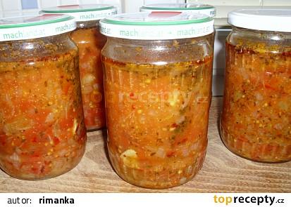 Zavařená rajčatovo bylinková omáčka