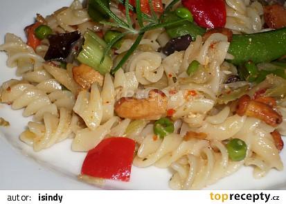 Tzatziky těstoviny se zeleninou a  liškami
