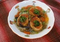 Chilli polévka se zeleninkou, hříbky a topinkami