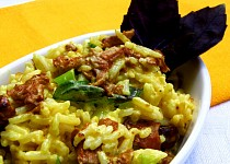 Smetanová kari rýže s liškami a bazalkou