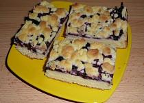 Kynutý bezlepkový koláč borůvkový