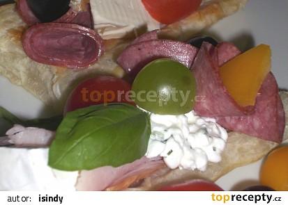Chlebíčky z listového těsta