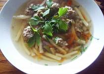 Ušákova polévka s knedlíčky a nudlemi