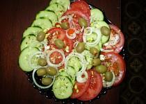 Zeleninový salát s cibulí