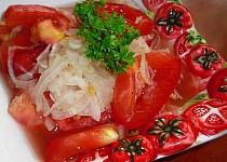 Cibulovo-rajčatový salát