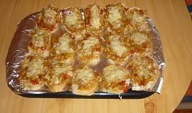 Zapečené chlebíčky s  kuřecím masem
