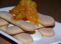 Piškoty s krémem a horkým pomerančem