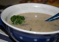 Bílá polévka z hlívy ústřičné