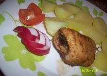 Rybí závitek se šunkou, cibulkou a libečkem