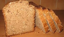 Kváskový semínkový chléb s taveným sýrem
