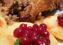 Sváteční kuře na jablkách