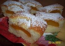 Hrníčkové meruňkové řezy