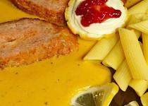 Masová variace se sýrem na zelenině